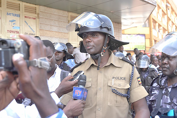 Police talk to journalists