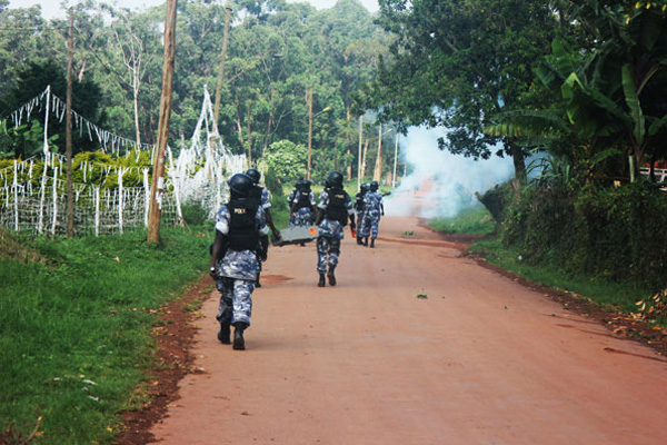 Police fire teargas to disperse rowdy Kyambogo students