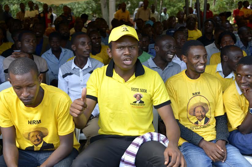 MUK NRM suporters chanting praises for the president
