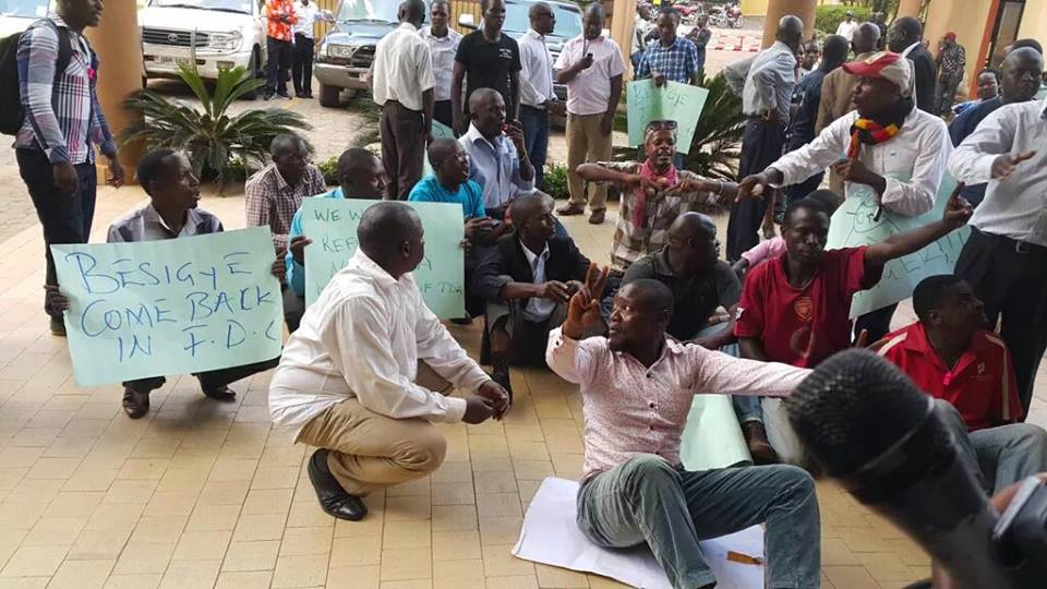 FDC party faithfuls demanding Dr.Besigye to return the party and run as its flag bearer.
